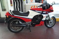 Kawasaki-Gpz900R-1986
