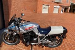 Suzuki-Katana-750_