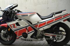Yamaha_FZ600